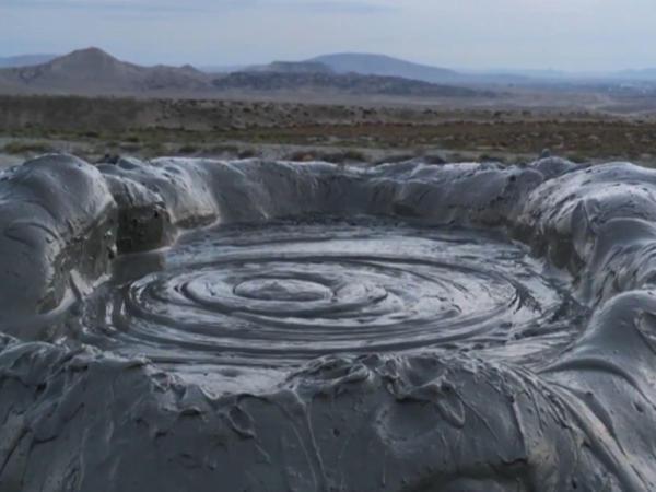 Zəlzələ palçıq vulkanlarını aktivləşdirir - VİDEO