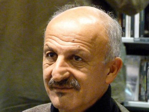 """Fransa mediası Qarabağ müharibəsini yalnız Ermənistan tərəfindən işıqlandırıb - <span class=""""color_red"""">Reza Deqati</span>"""