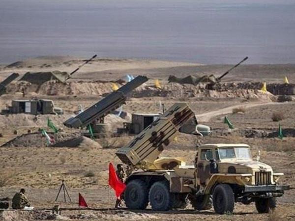 """İran ordusu """"İqtidar 99"""" təlimlərinə başlayıb"""