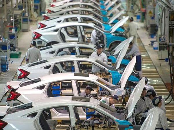 Aİ ölkələrində yeni avtomobil satışı rekord həddə azalıb