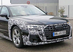 Yenilənmiş Audi A8 casuslara rast gəlib - FOTO