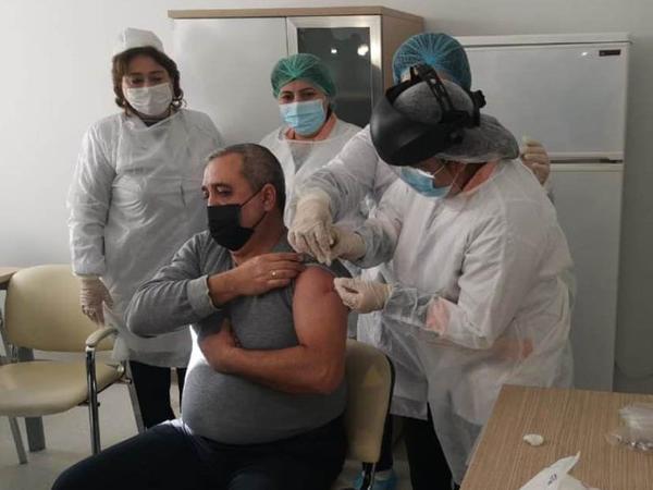 """Gəncədə """"COVID-19""""-a qarşı vaksinasiya prossesinə başlandı - FOTO"""