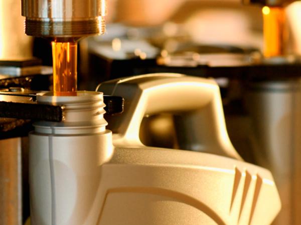 Azərbaycan dünyada ilk dəfə tətbiq edilən yeni texnologiya əsasında sürtkü yağları istehsal edir
