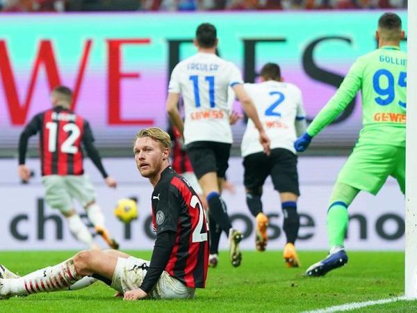 """""""Milan"""" böyük hesabla uduzub dövrəni zirvədə tamamlayıb"""