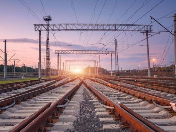 """&quot;Tezliklə İranla Azərbaycan arasında yeni dəmiryolu terminalının inşası başlayacaq&quot; - <span class=""""color_red"""">Vali</span>"""