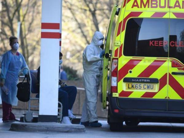 Britaniyada bir sutkada koronavirusdan 592 nəfər ölüb