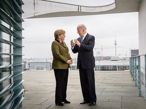 Merkel Baydenlə xarici siyasət, pandemiya və ticarəti müzakirə edir