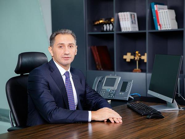 """Prezident İlham Əliyev """"Azərkosmos""""un sədrini vəzifəsindən azad etdi"""