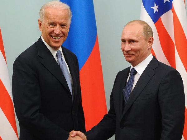 Putin Baydenlə telefonla danışıb