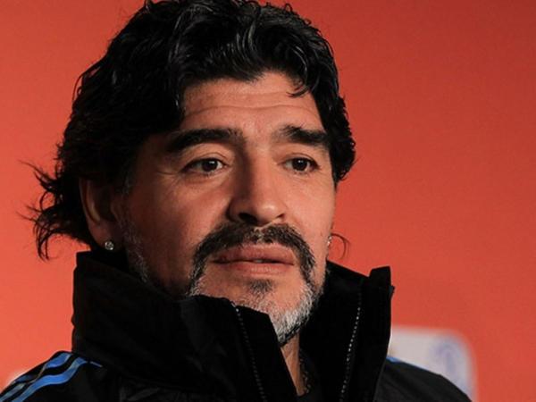 """Prokurorluq təsdiq etdi: <span class=""""color_red"""">həkimi Maradonanın imzasını təqlid edib - FOTO</span>"""