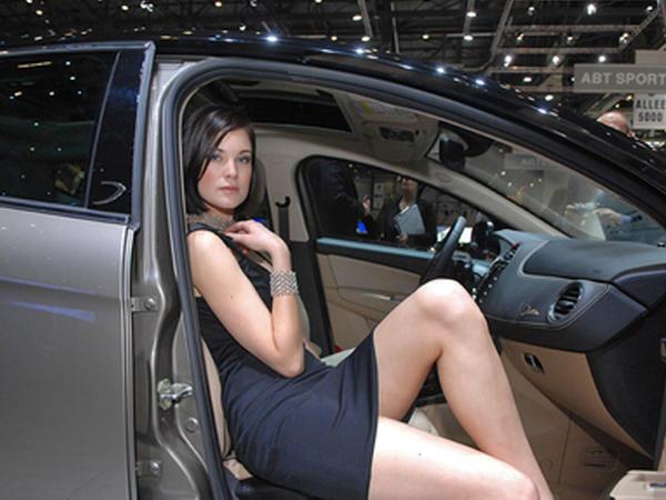 "Dünyanın ən çox satılan avtomobil markası hansıdır? - <span class=""color_red"">Almanlar yaponlara ""uduzdu""</span>"