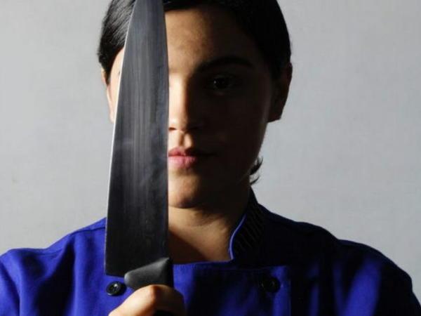 İntim fotolarda özünü tanımayan qadın qısqanclıqdan ərini bıçaqladı - FOTO