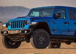"""Jeep Wrangler V8 ofrouderi superkarlardan daha """"iştahlıdır"""" - FOTO"""
