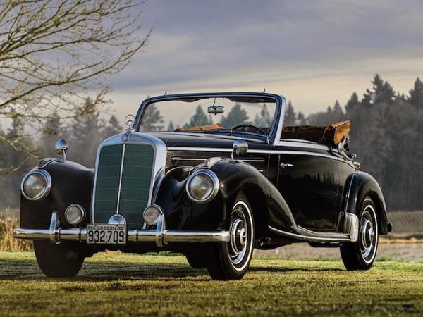 62 illik Mercedes-Benz kabrioleti hərraca çıxarılıb - FOTO