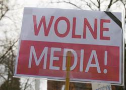 """Polşada """"media qiyamı""""nı kim alovlandırır?"""