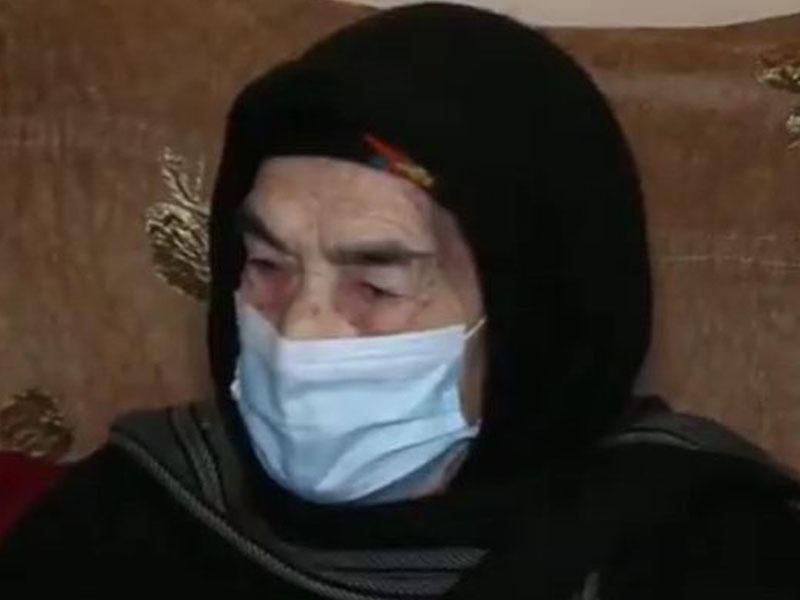 Azərbaycanda 101 yaşlı qadın peyvənd olundu