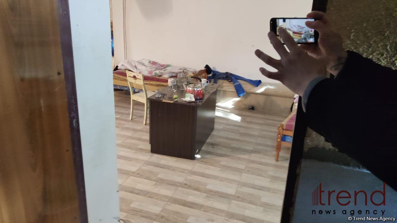 Bakıda 5 nəfərin meyiti tapılan evdən görüntülər - FOTO