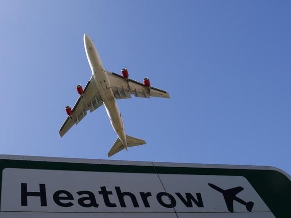Hitrou beynəlxalq hava limanı ötən il 2 milyard sterlinq itirib