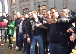 Paşinyan tərəfdarları və müxaliflər arasında qarşıdurma - VİDEO