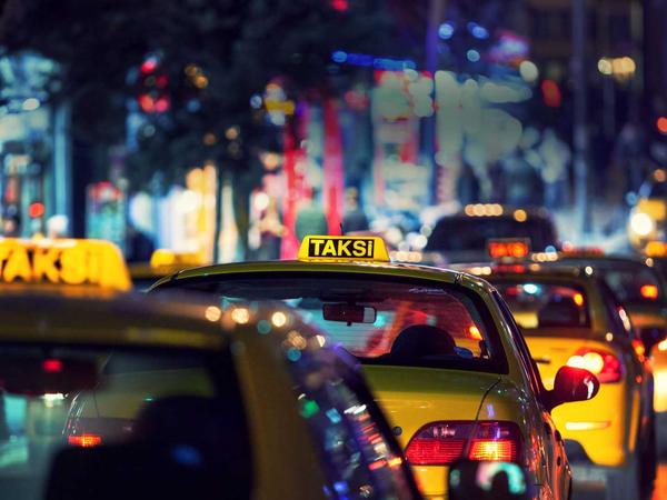 Bakıda taksi qiymətləri bir gündə 2 dəfə bahalaşdı