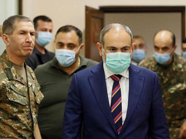 Ermənistanda ordu Paşinyanın istefasını tələb etdi