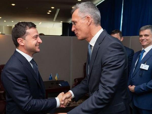 NATO Baş katibi Zelenski ilə danışdı