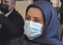 Prezidentə İran sayağı sual verən çadralı jurnalist kimdir? - VİDEO