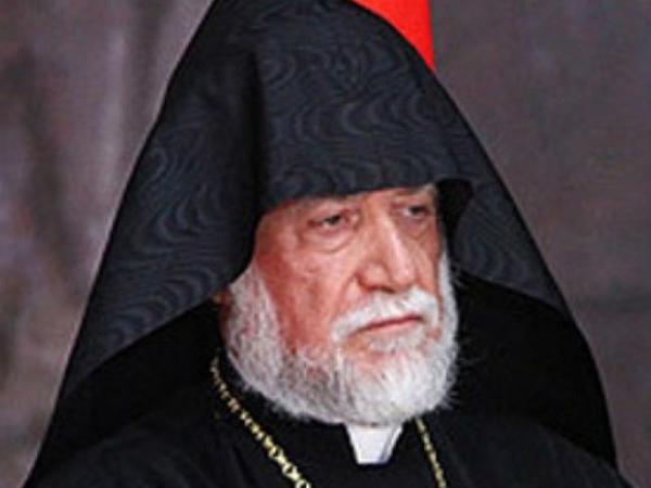 """""""Ermənistan uçurumun kənarındadır"""" - <span class=""""color_red"""">Erməni katolikos</span>"""