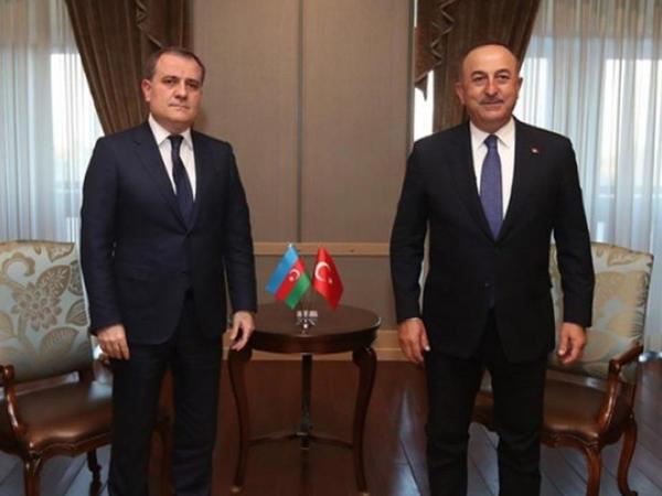 Ceyhun Bayramov Çavuşoğlu ilə telefonla danışdı