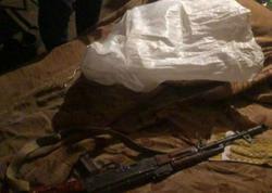 Narkotik alverçisi evinin zirzəmisini silah anbarı edibmiş - FOTO