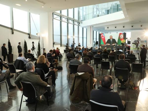İspandilli KİV-lər Prezident İlham Əliyevin mətbuat konfransını geniş işıqlandırdı - FOTO