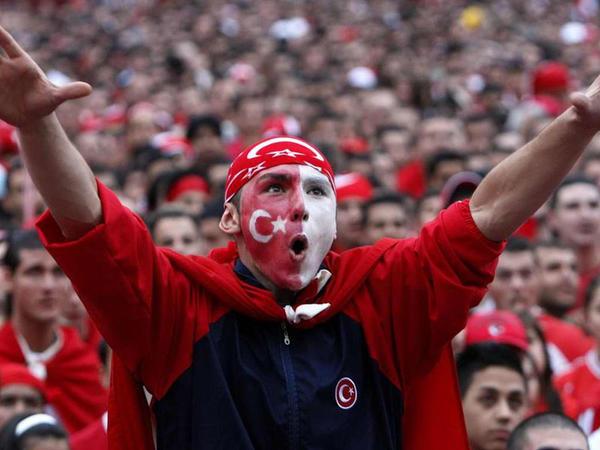 Türkiyə stadionlarından azarkeş səsləri gələcək