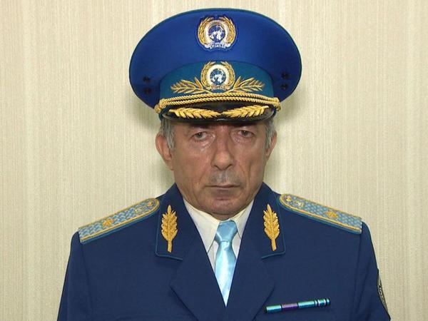 """Bakıda dələduzluqda təqsirləndirilən saxta """"general"""" azadlığa buraxıldı"""