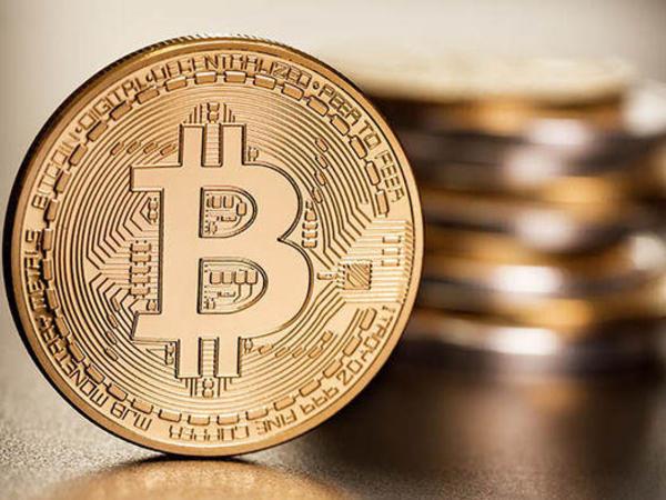"""""""Bitcoin""""in qiyməti 10 faiz bahalaşıb"""