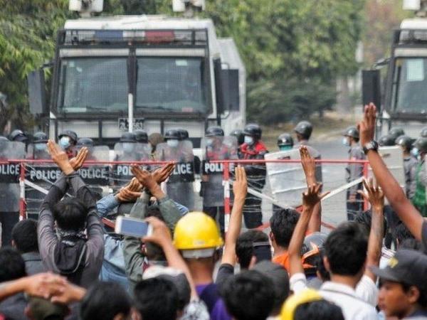 Myanmada toqquşmalar zamanı 38 nəfər ölüb