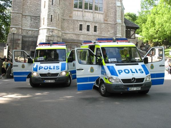 İsveçdə cinayətkar 8 nəfəri yaralayıb