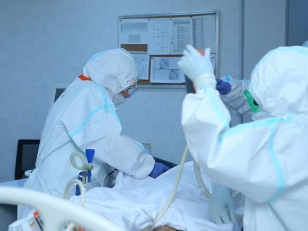 ÜST: Dünyada ötən sutka koronavirusa 348 mindən çox yoluxma qeydə alınıb