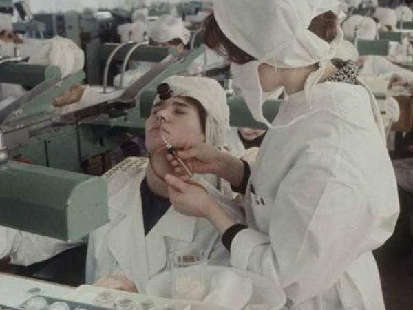 Sovet alimləri dəhşətli viruslardan necə qorunurdu? - Laboratoriya sirləri