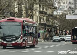 """Taksi qiymətləri baha, metro bağlı, avtobus isə yox - <span class=""""color_red"""">VİDEO</span>"""