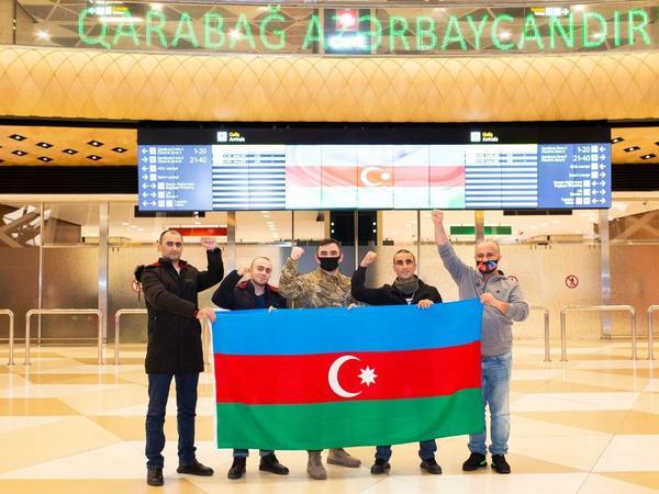 4 qazi Türkiyədə müalicə olunaraq Vətənə qayıdıb - FOTO