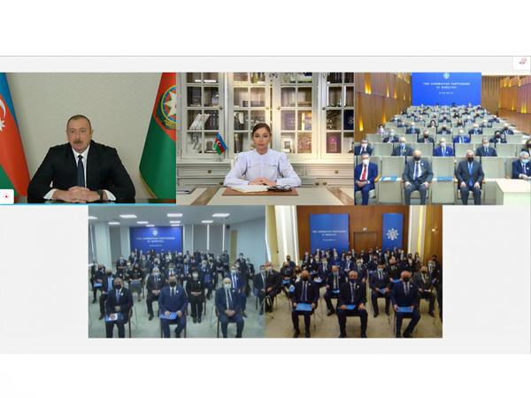 Prezident İlham Əliyev YAP-ın qurultayında çıxış edib - FOTO - VİDEOYAYIM