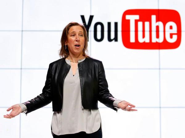"""""""YouTube"""" Donald Trampın kanalını qaytarmağı vəd edib"""