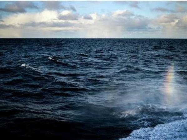 30 balıqçının olduğu Rusiyaya məxsus gəmi yanıb