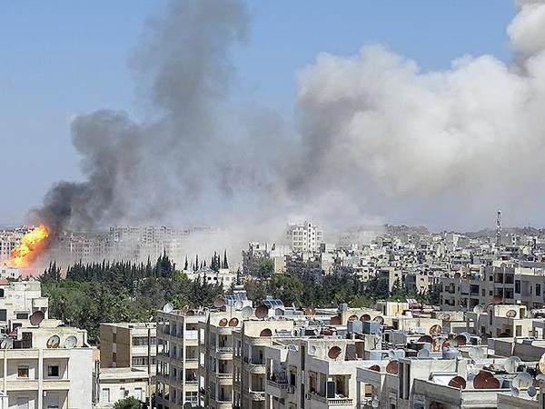 """Əsəd rejimi İdlibi vurdu: <span class=""""color_red"""">yaralılar var</span>"""