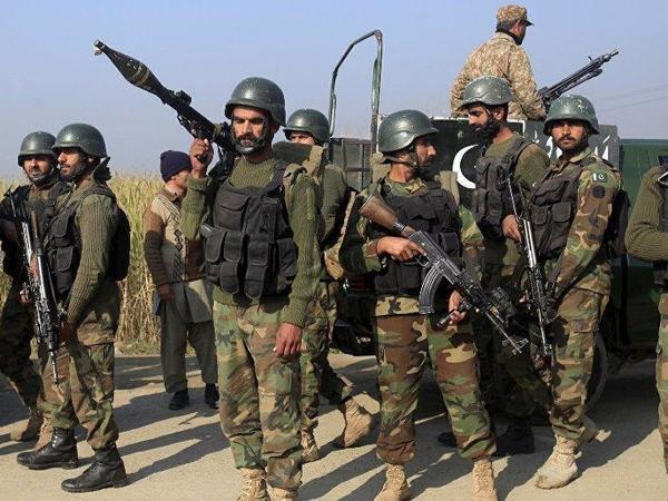 """Pakistan ordusundan əməliyyat: <span class=""""color_red"""">8-i məhv edildi</span>"""