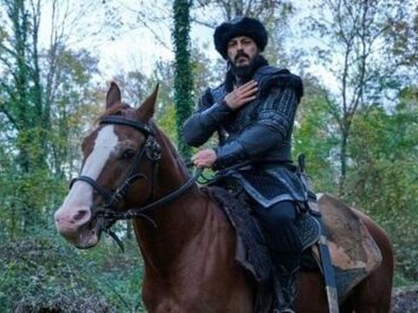 """Zabit Səmədov """"Quruluş Osman""""da oynadığı Gəncə bəy obrazından danışdı - <span class=""""color_red"""">VİDEO</span>"""
