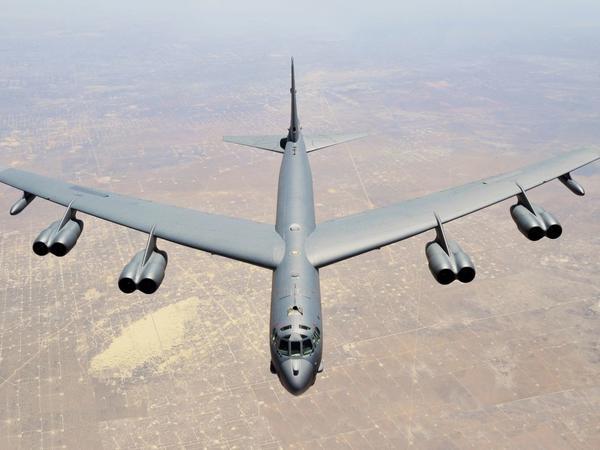 ABŞ İran sərhədlərinə bombardmançı göndərdi