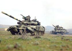 Tanklar, BTR-lər hərəkətə gəldi - Qoşunlar əməliyyat təyinatı rayonlarına çıxarılır - VİDEO - FOTO