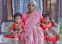 73 yaşlı qadın əkiz dünyaya gətirdi - FOTO