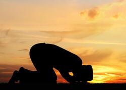İnsan bir müddət namaz qılmayıbsa...